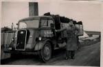 Tørv fra Vium til gartner Jepsen, Malling Bjerge. Forår 1946